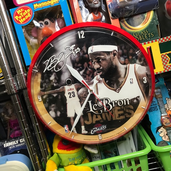 '08 LeBron James Cleveland Cavaliers NBA Clock